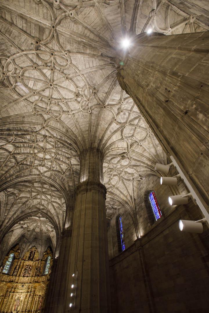 Nueva Iluminación Iglesia Santo Tomas De Haro (13)