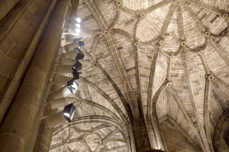 Nueva Iluminación Iglesia Santo Tomas De Haro (24)