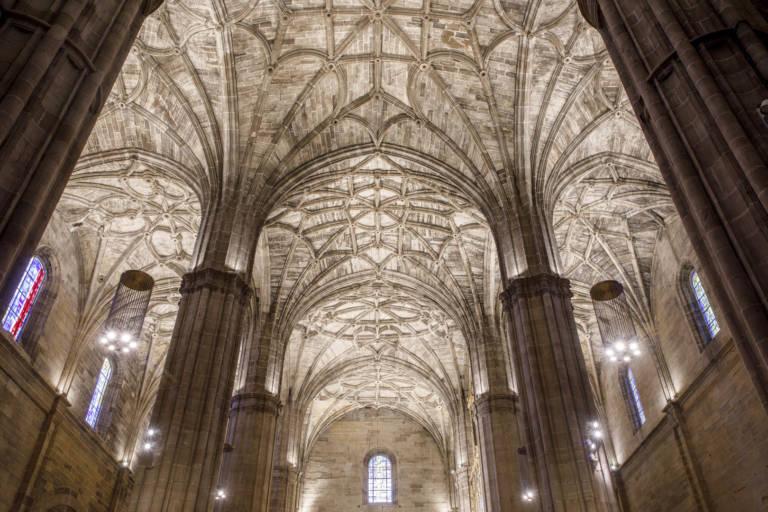 Nueva Iluminación Iglesia Santo Tomas De Haro (6)